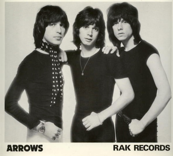 Arrows – I Love Rock and Roll