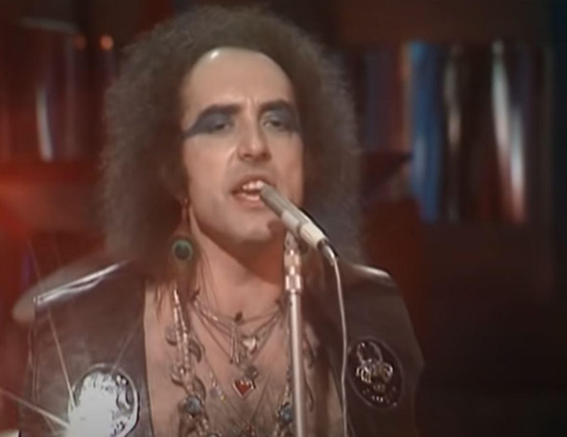 Zemřel zpěvák John Lawton
